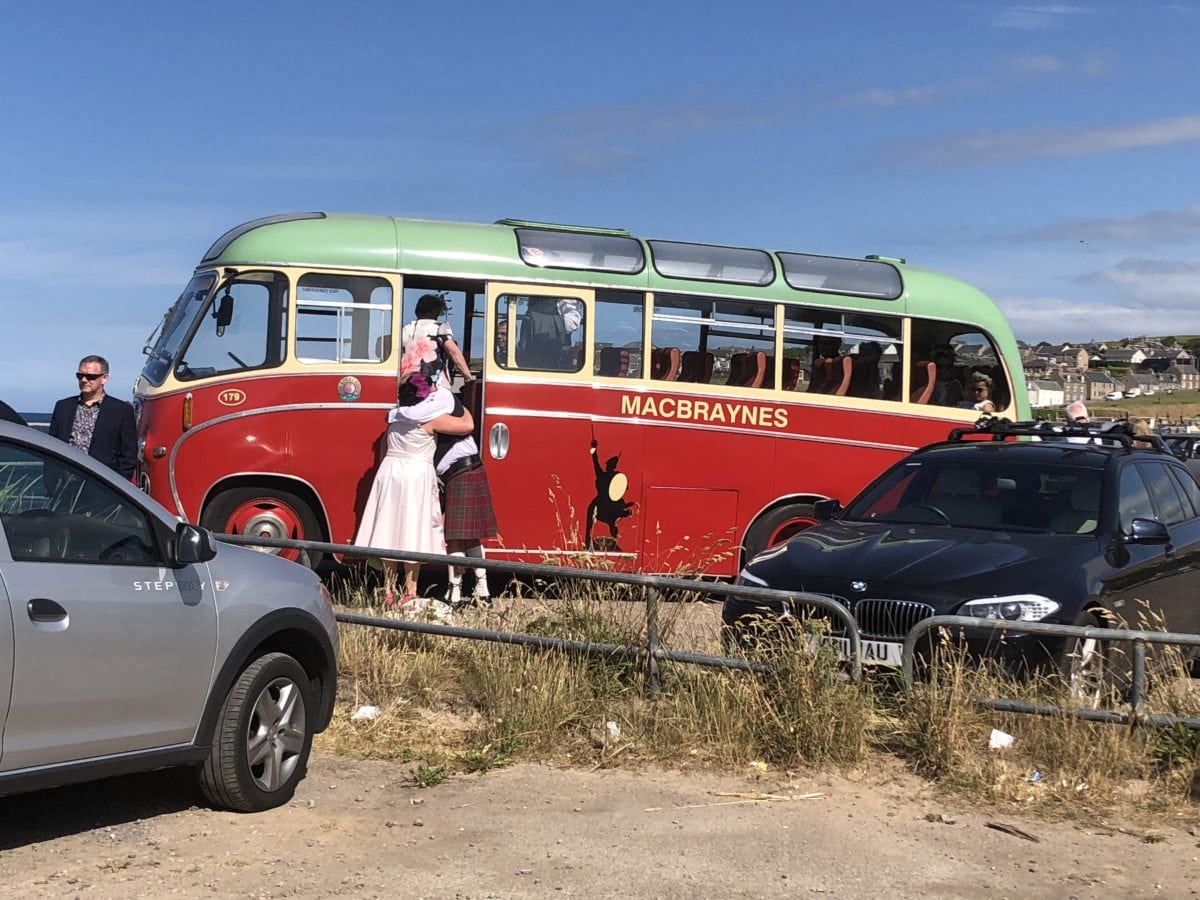 Vintage bus at Cullen for Gemma and Dennis's beach wedding.