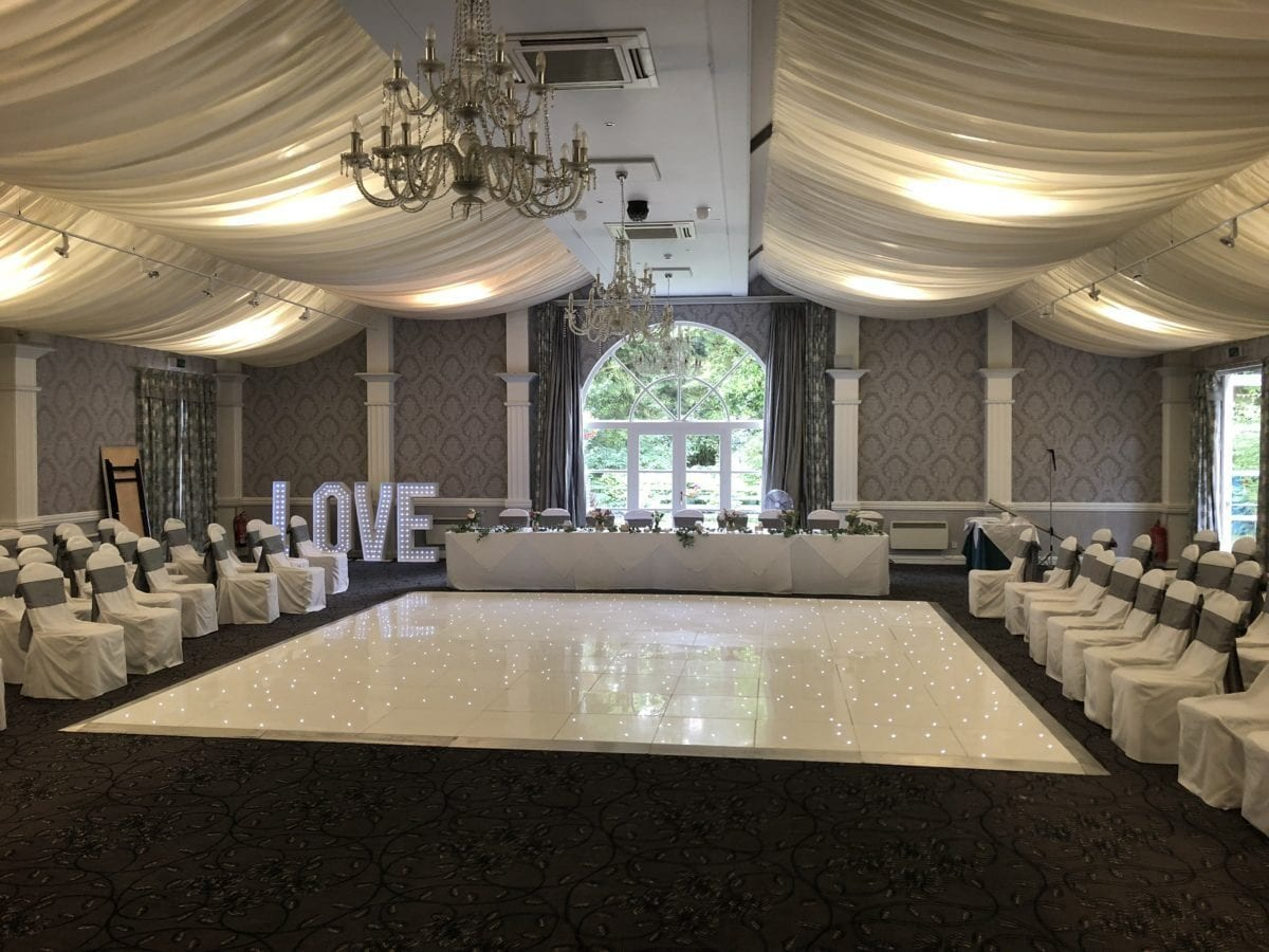 My white led dance floor and giant letter hire at Keavil House Hotel, Crossford in Fife. If you hire me as your wedding Dj you can get a discounted rate on a white led dance floor. Part of a mobile disco hire package for a wedding.